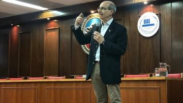 El Jefe del programa de SIDA de Mendoza dictó un curso sobre cómo actuar ante un accidente cortopunzante