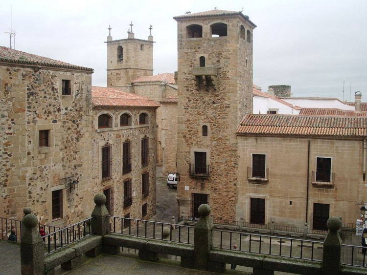 Becas de estudios para Graduados de la UNCuyo, en la Universidad de Extremadura