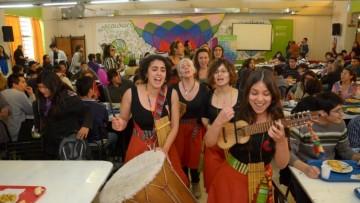 COMEDOR UNIVERSITARIO: un sitio más cultural que apunta al encuentro y la socialización.