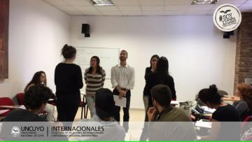 Café Internacional en la Facultad de Odontología
