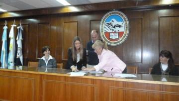 La Facultad de Odontología firmó convenio con el Ministerio de Salud de Mendoza