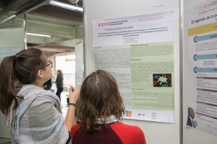 """Encuentro Virtual de Jóvenes Investigadores """"Proyectando el futuro de la investigación"""" de AUGM"""