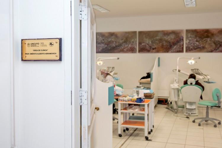 Oferta de Posgrado 2020 - Facultad de Odontología UNCUYO. Mendoza, Argentina - Septiembre 2020