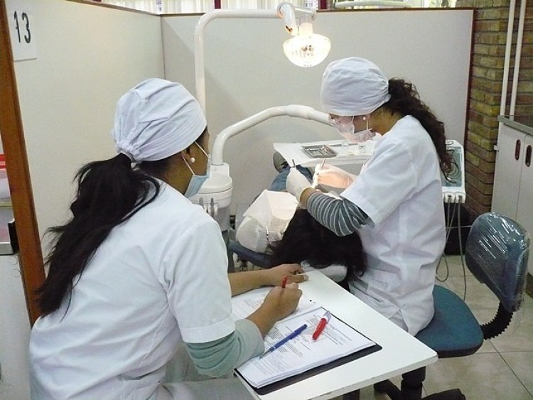 Alumnos de quinto año brindarán nuevamente, atención odontológica a pacientes de nuestra comunidad.