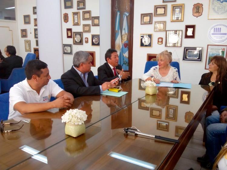 El Rotary de Huaraz - Perú, visitó la FO y generó vínculos para compartir acciones de salud bucal