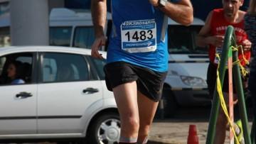 Egresado de la Facultad de Odontología en una maratón